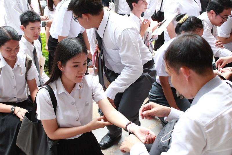 พิธีไหว้ครูและครอบครู ประจำปีการศึกษา 2560