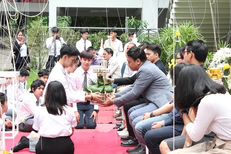 ไหว้ครูและครอบครูประจำปีการศึกษา 2561
