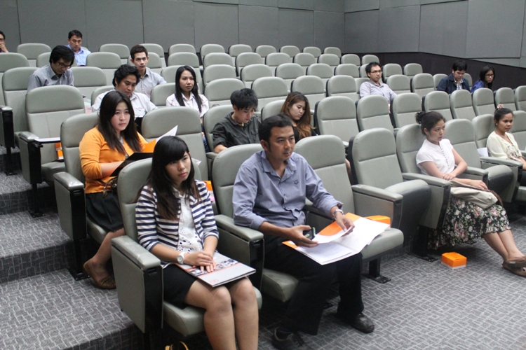 โครงการ ปฐมนิเทศนิสิตระดับบัณฑิตศึกษา ประจำปีการศึกษา 2556