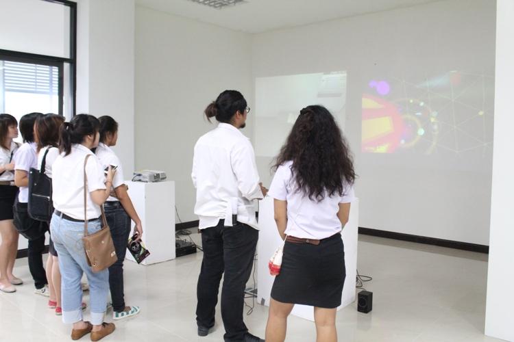 """นิทรรศการแสดงผลงานของคณาจารย์ ใน """"THE CROSS PROJECT Lecture's Exhibition"""""""