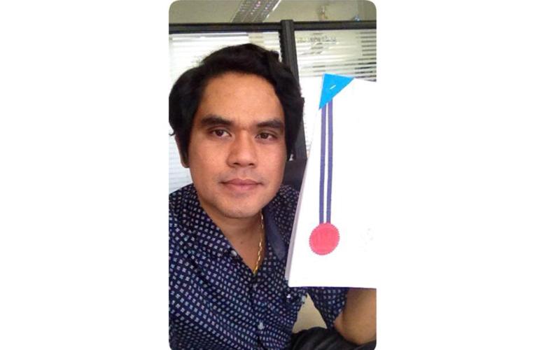 รองศาสตราจารย์ดร.นิรัช สุดสังข์  ได้รับการจดสิทธิบัตร ผลงานการออกแบบผลิตภัณฑ์ จำนวน 48 ผลงาน