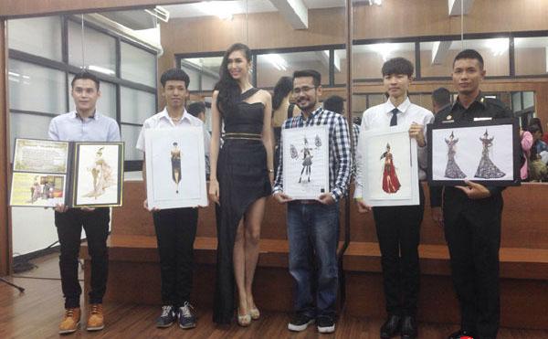 ศิษย์เก่าคณะสถาปัตยกรรมศาสตร์ มหาวิทยาลัยนเรศวรได้รับรางวัลชนะเลิศ การออกแบบชุดประจำชาติไทย 2014