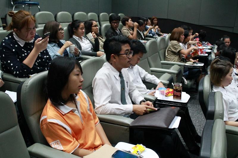 """ถ่ายทอดสดงานกิจกรรมบรรยายเรื่อง """" ฟังแล้วรวย : SMEs Talk"""""""