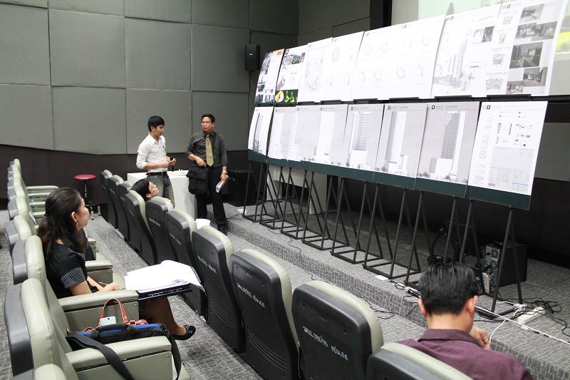 ตรวจผลงานวิทยานิพนธ์ นิสิตชั้นปีที่ 5 สาขาสถาปัตยกรรม ประจำปีการศึกษา 2558